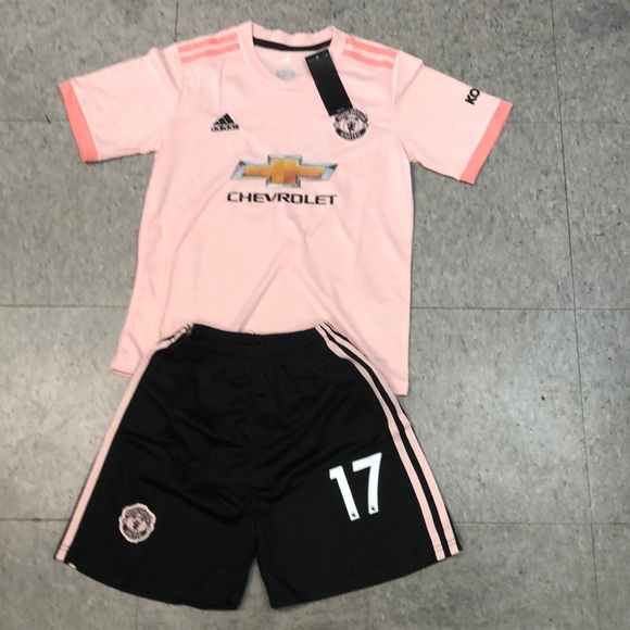 new arrival 40380 fa9d8 Manchester United Kit #17 ANGEL size youth M (26)